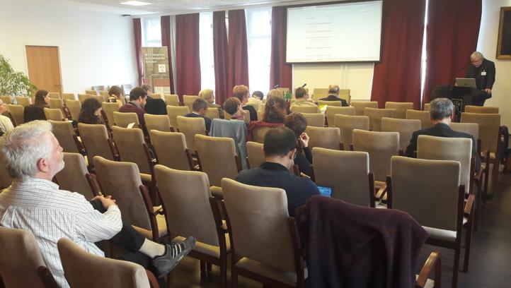 1. ábra -- Holl András megnyitó beszéde a THOR Bootcampen (A kép forrás a THOR project Twitter oldala)